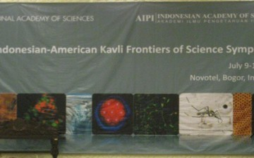 Stephen Miller visits Indonesia as a speaker in the Indonesian-American Kavli Frontiers of Science Symposium