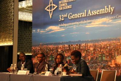 Tolu Oni moderates panel at ICSU assembly. Photo by Pichi Chuang